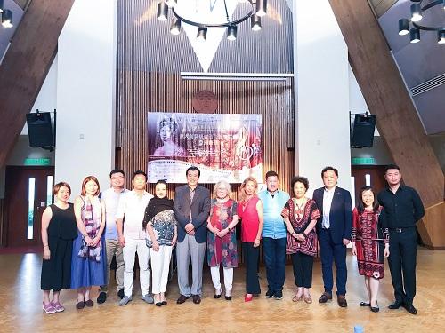 上海音乐学院声乐歌剧系宋波教授,星海音乐学院声乐歌剧系副主任陶英